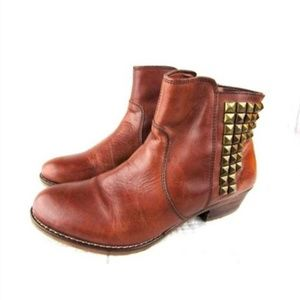 14th & Union 'Presley-Lea' Brown Leather Booties